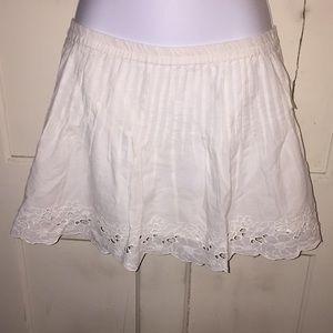 White Aeropostale eyelet pleated skirt.
